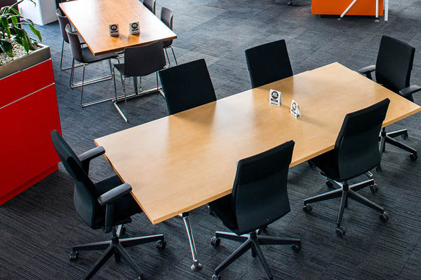 Office Table with 6 office chairs