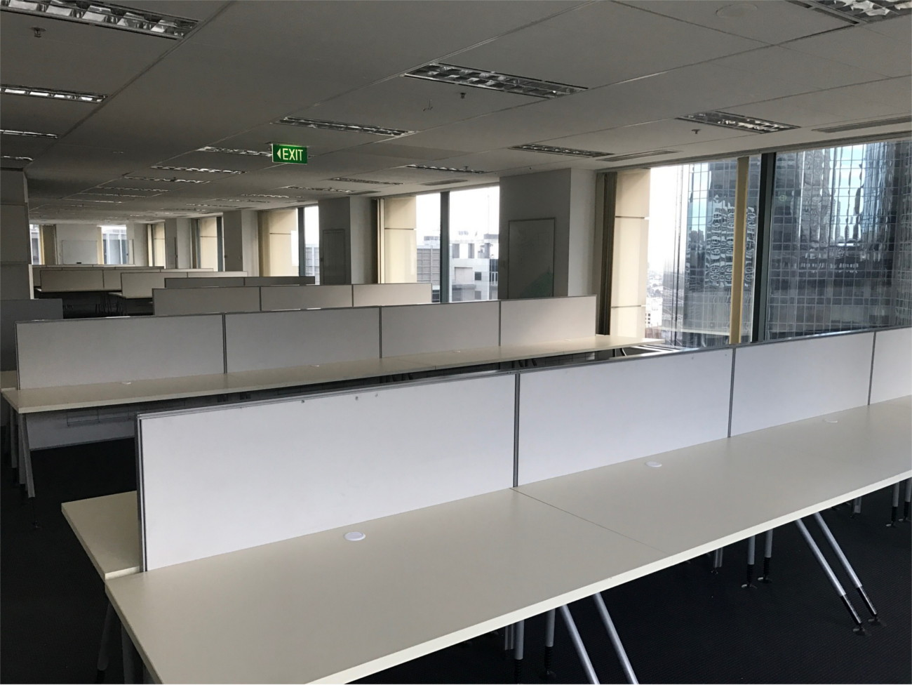 office workstations straight office furniture rental 459 Collins Street