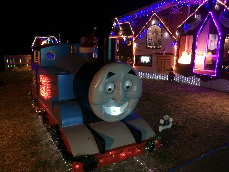 Brett Lockwood S Christmas Lights And Thomas The Tank